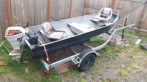 13 ft boat with johnson 9.9 SeaKing for Sale in Marysville, WA