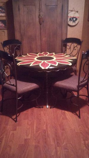 Kitchen Table and Chairs for Sale in Scarbro, WV