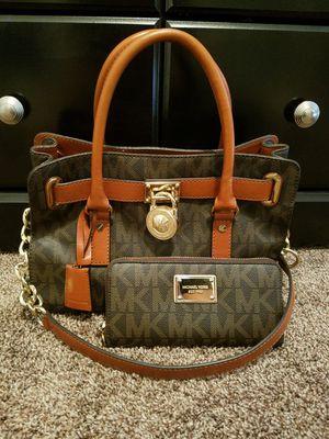 Michael Kors Handbag for Sale in Madera, CA