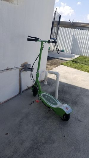 RaZer scooter for Sale in Miami Gardens, FL