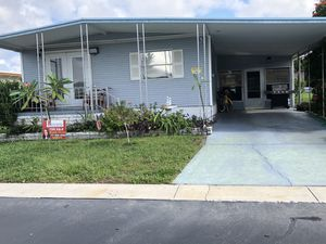 2 bed 2 bath double wide in Tampa for Sale in Orlando, FL