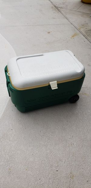 Igloo roll cooler 70qt for Sale in Oviedo, FL