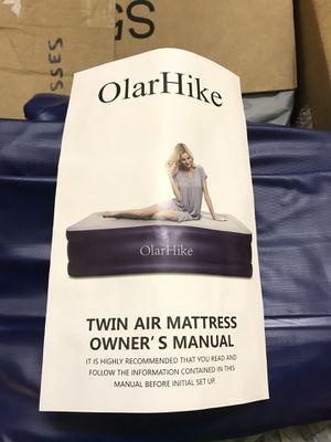 Olarhike twin air mattress built in air pump for Sale in Canton, TX