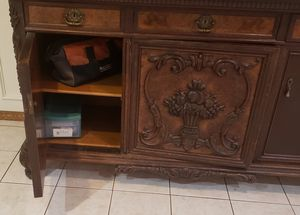 Antique China hutch... for Sale in Mesquite, TX