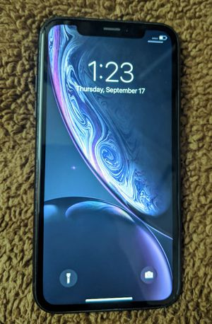 Iphone Xr 64 GB unlocked store Warranty excellent condition for Sale in Boston, MA