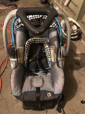 Baby Trend Newborn Car seat for Sale in Orange, TX