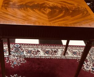 Vintage Handcrafted Beacon Hill Collection Table. for Sale in Tampa,  FL