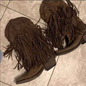 Fringe boots size 7.5 for Sale in Arlington, TX