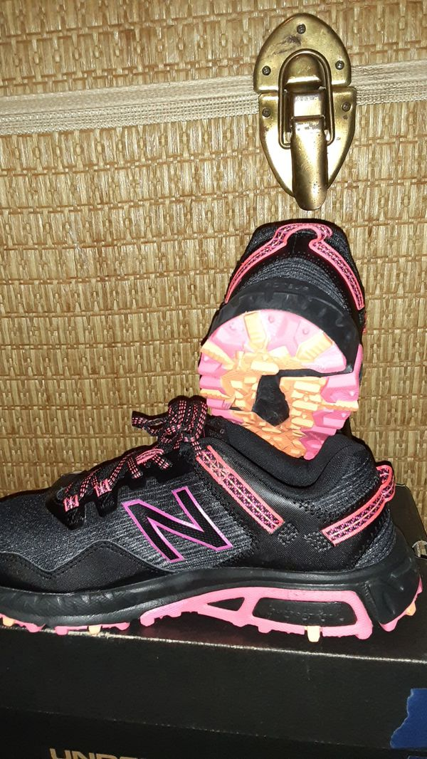"Womens 410 V6 trail Shoes ""New Balance """