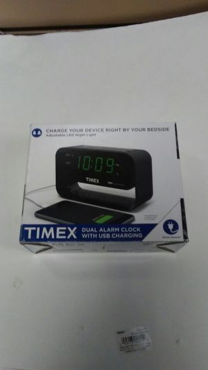 Alarm clock with USB charging for Sale in Bailey's Crossroads, VA