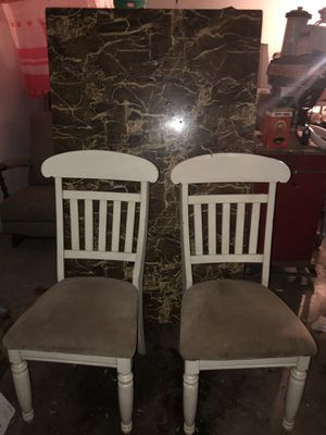 Kitchen Table w/2 Chairs for Sale in Fresno, CA