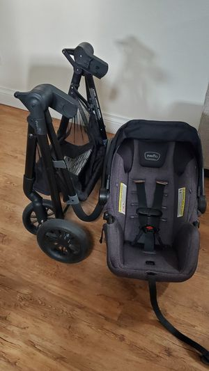 EVENFLO PIVOT CAR SEAT AND STROLLER for Sale in Phoenix, AZ