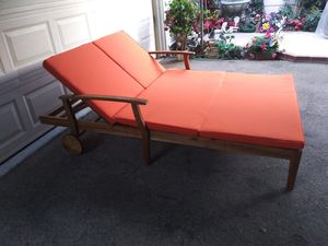 Outdoor patio double chaise lounge chair for Sale in Glendale, CA