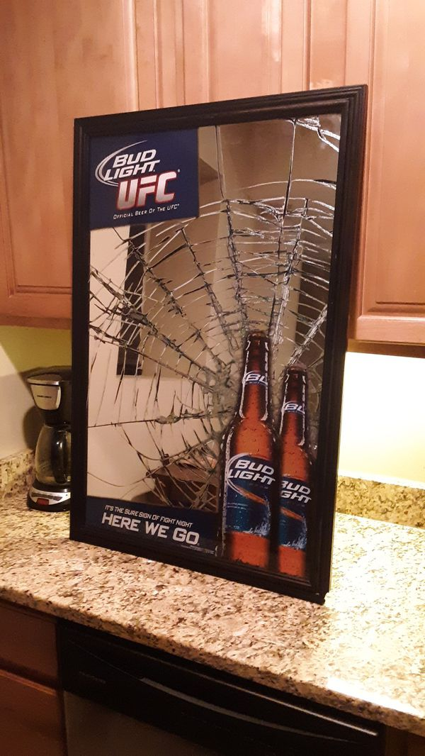 BUD LIGHT UFC OFFICAL COLLECTORS EDITION MIRROR