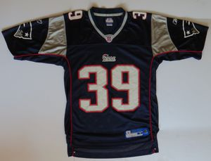 Laurence Maroney Jersey New England Patriots Youth / Boys Size Medium for Sale in Weston, MA