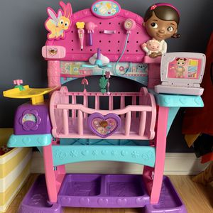 Doc McStuffins Check-up All-in-One Nursery Playset for Sale in Pittsburgh, PA