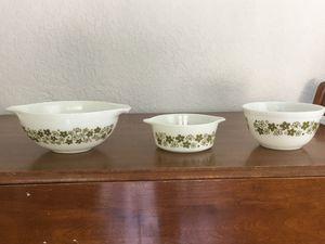 Pyrex bowls, spring blossom or crazy daisy design, 2 1/2 quart, 1 1/2 quart and 1 1/2 pint sizes for Sale in Plantation, FL