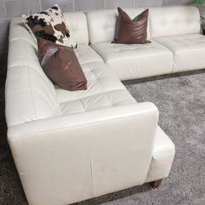 ***Chateau D' Aux 2PC Genuine Leather Sectional Sofa (Free Delivery) for Sale in Atlanta, GA