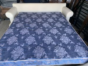Sleeping couch 🛋 for Sale in Broken Arrow, OK
