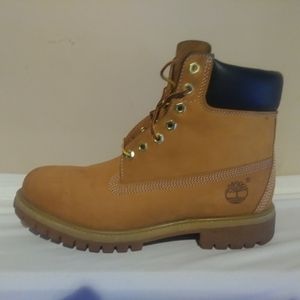 TIMBERLAND MEN'S 6-INCH PREMIUM WATERPROOF BOOTS for Sale in Monroe Township, NJ