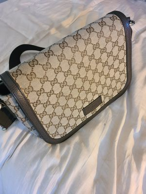 Gucci messenger bag ****AUTHENTIC **** for Sale in American Canyon, CA