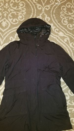 North Face winter jacket.. W size XL for Sale in La Vergne, TN