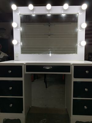 Vanity with desk for Sale in Buena Park, CA