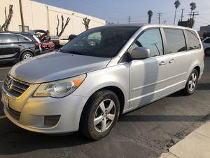 2010 Vw Routan mini van $ 1550 for Sale in Los Angeles, CA