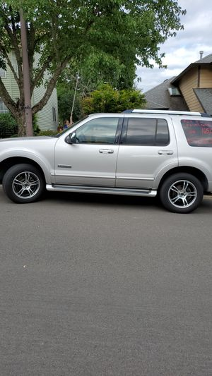2006 ford explorer AWD 4x4 v8 limited for Sale in Beaverton, OR