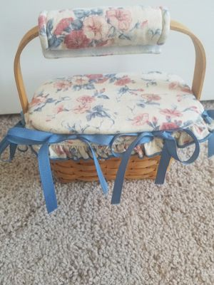Longaberger sewing basket with lid for Sale in Knightdale, NC