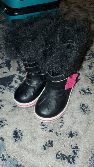 Girls snow boots for Sale in Lake View Terrace, CA