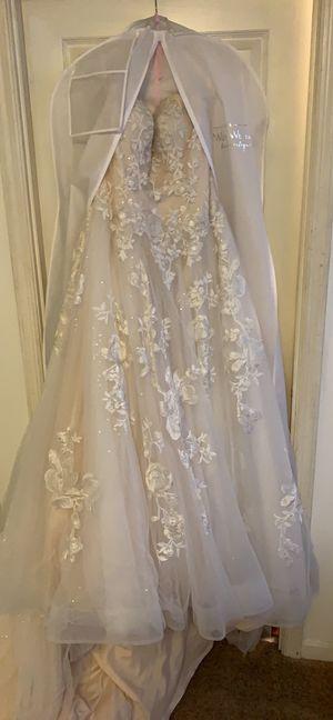 Never worn wedding dress for Sale in Villa Hills, KY