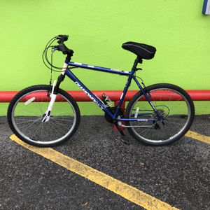 Diamondback Outlook ST Man's 21 - Speed Large Frame Mountain Bike 10012145-1 for Sale in Tampa, FL
