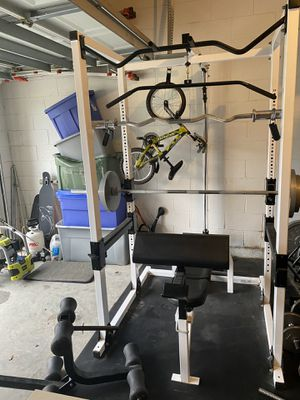 Complete Home Gym - Olympic Weight Bench and 255lbs of Weight plus mat for Sale in Orlando, FL