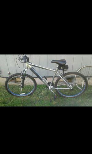 Like New schwinn men's mountAin bike all shimano for Sale in Spanaway, WA