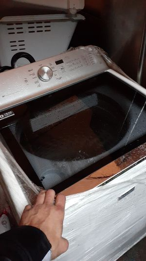 Bravos maytag XL washer and dryer for Sale in Tacoma, WA