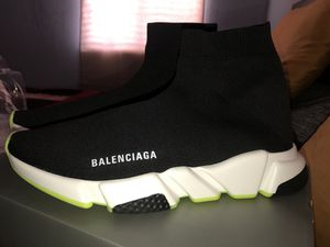 Balenciaga sneaker for Sale in Hayward, CA