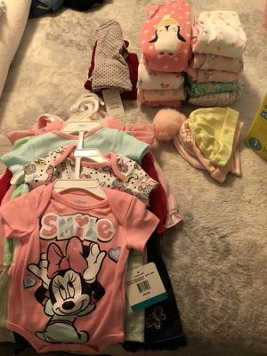 NEWBORN BABY CLOTHES/Diapers for Sale in Haines City, FL