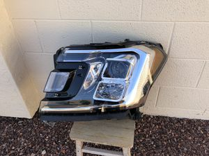 2018 - 2019 Ford Expedition OEM headlight, driver side, headlamp, projector lamp, front light, car parts, auto parts for Sale in Glendale, AZ