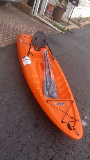Kayak new. $180 negotiable. Include paddles. for Sale in Lakewood, CA