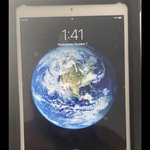 iPad 2017 , 32 G for Sale in Arlington, VA