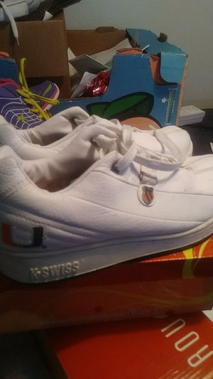 Size 9 Miami Hurricane shoes for Sale in Orlando, FL