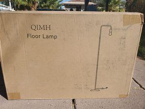 $30 FLOOR LAMP for Sale in Las Vegas, NV