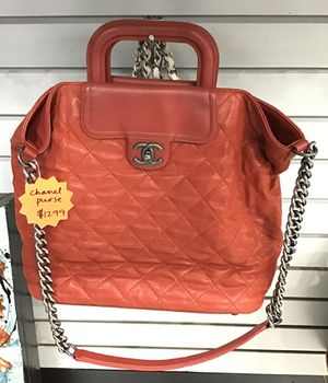 Genuine Chanel large tote bag used in great condition for Sale in Orlando, FL