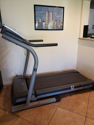 Nordictrack A2250 SpaceSaver Treadmill for Sale in Phoenix, AZ