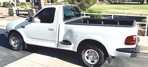 UP FOR SALE FORD F150 IN EXCELENT CONDITION for Sale in Milwaukee, WI