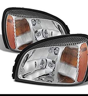 New , Never Installed 2000- 2005 Cadillac Deville Pair Headlights with bulbs for Sale in Oceanside, NY
