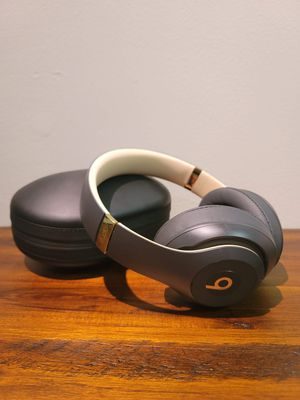 Solo Beat Headphones for Sale in Knoxville, TN