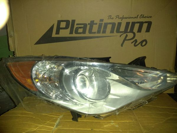 2011-13 Hyundai Headlight Assembly