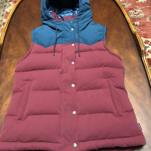 Women's Size M Patagonia Hooded Vest Like New for Sale in Fox Island, WA